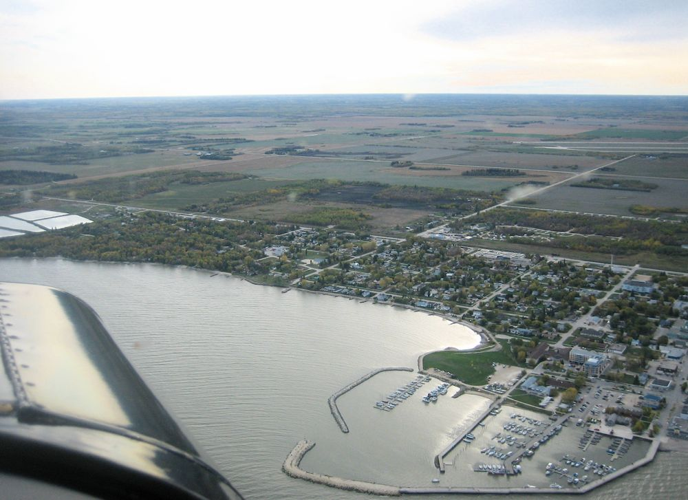 AERIAL VIEW OF GIMLI HARBOUR